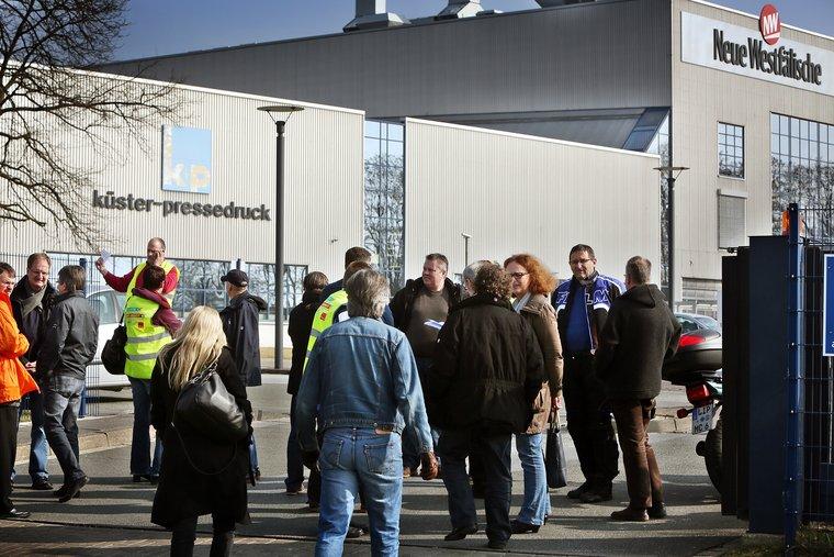 Demo vor Küster Pressedruck/neue Westfälische