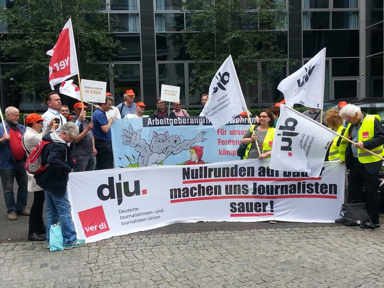 Demo Berlin Friedrichstarße