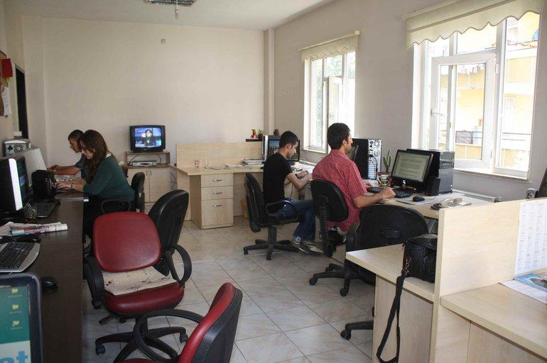 Redaktion von Azadiya Welat