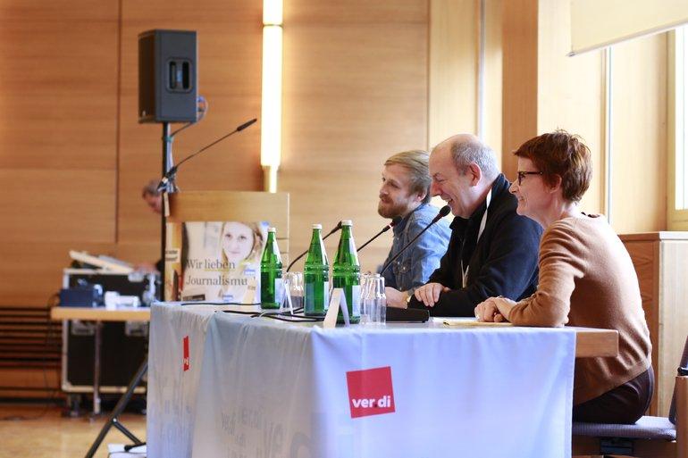 Cornelia Haß, Manfred Kloiber und Moritz Tschermak diskutierten über die Regenbogenpresse