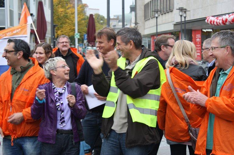 Gute laune beim Warnstreik in Bielefeld 8 Okt 13