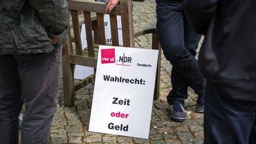 Plakat mit Tarifforderung
