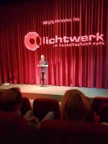 Streikversammlung im Kino in Bielefeld