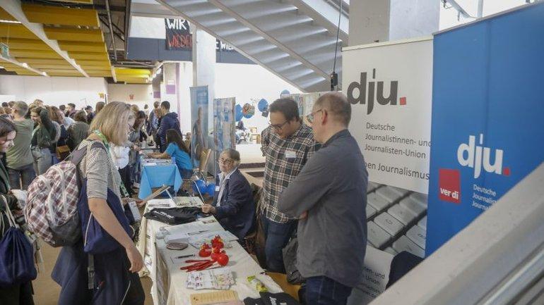 dju-Stand bei den Jugendmedientagen 2018 in Bremen