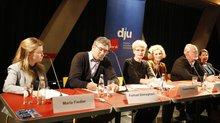 Berichten über AfD und Co.:Das Podium mit Maria Fiedler, Farhad Dilmaghani, Cornelia Berger, Tina Groll, Uwe Grund und Tabea Grzeszyk (v.l.n.r.)