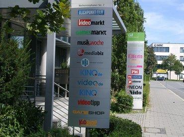 Redaktionsschilder am Eingangsbereich G+J Standort München